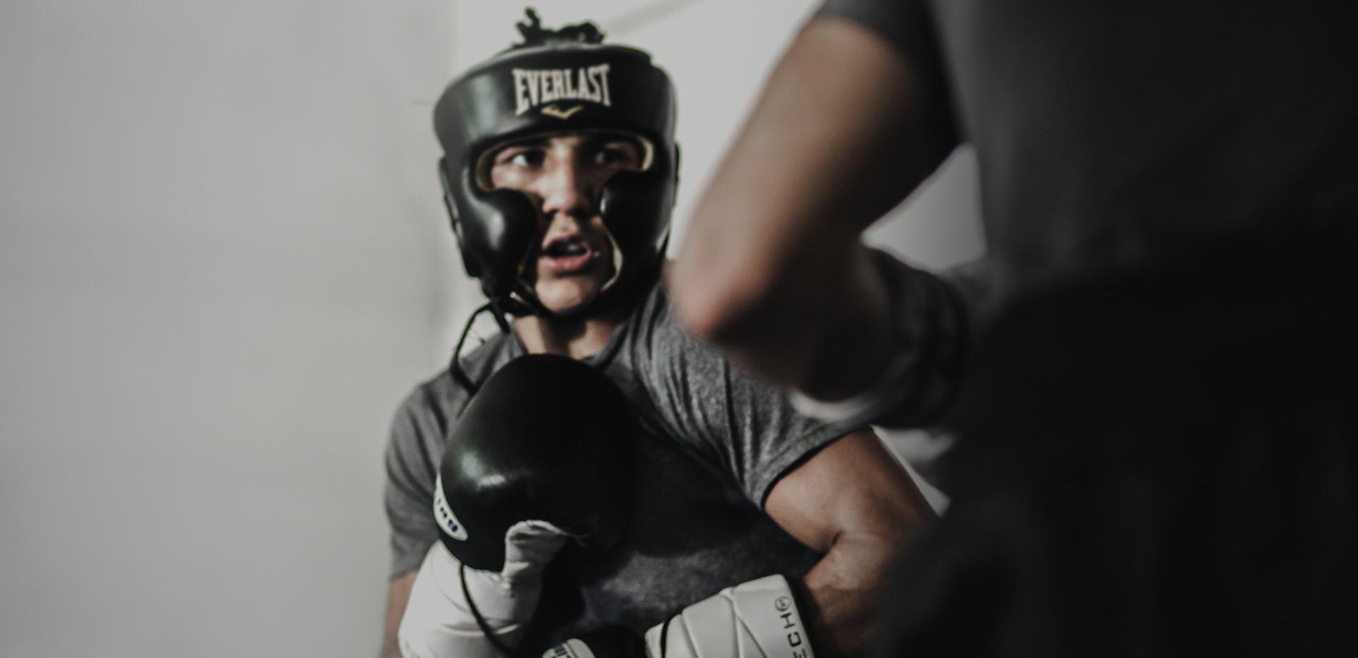 Teófimo López quiere su primera pelea profesional en suelo catracho