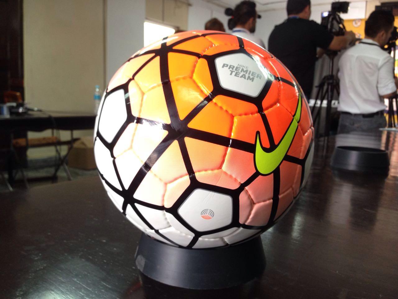 d17e8f01d388d Nike Premier team es el nombre del nuevo balón que usará la Liga Nacional  (LNP para el 2016 2017. Foto LNP