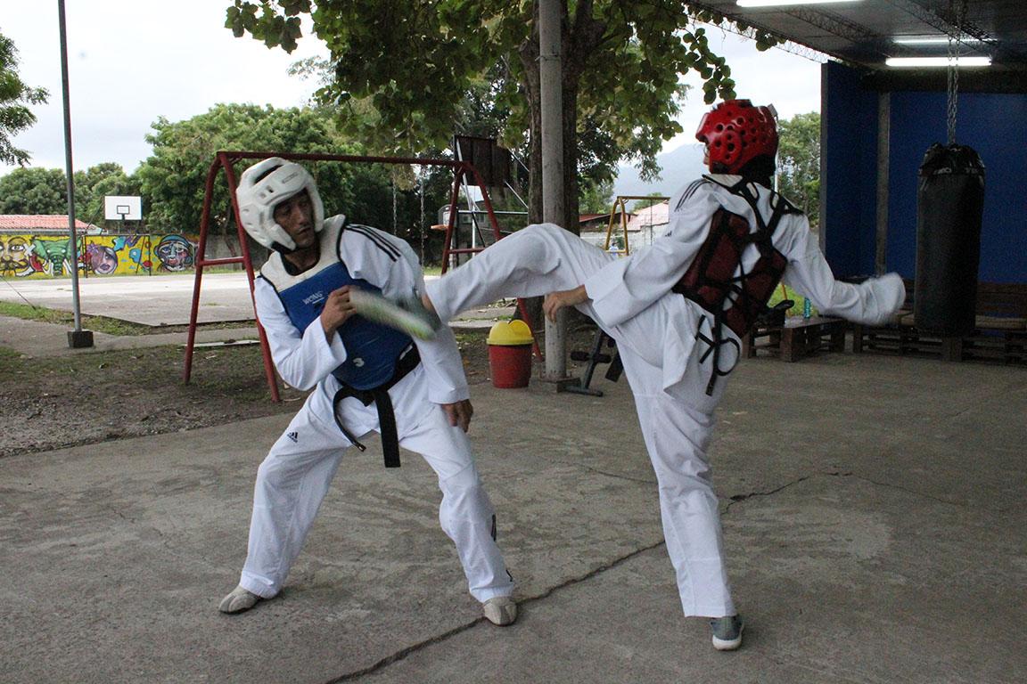 Riccy Talbott, Miguel Ferrera y Jasson Castro traen el oro para Honduras