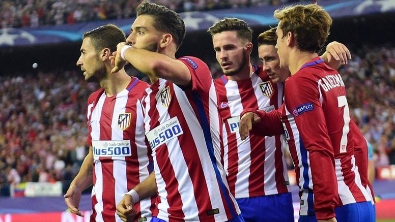 Dos polacos y una gran aplicación táctica dan triunfo al Atlético sobre un pobre Bayern