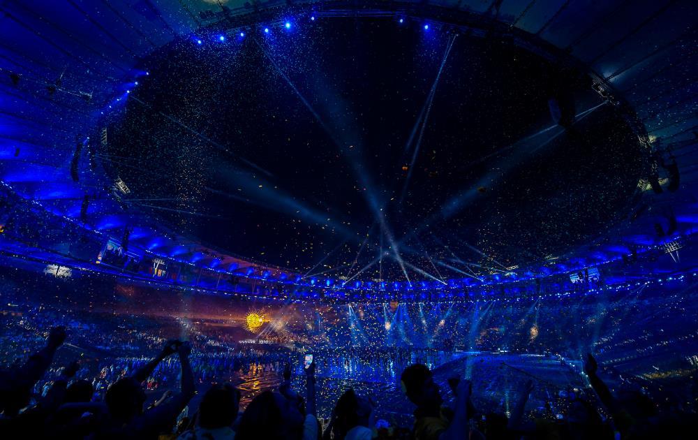 Maracaná da la bienvenida y da color al cielo de Río en los Juegos Paralímpicos