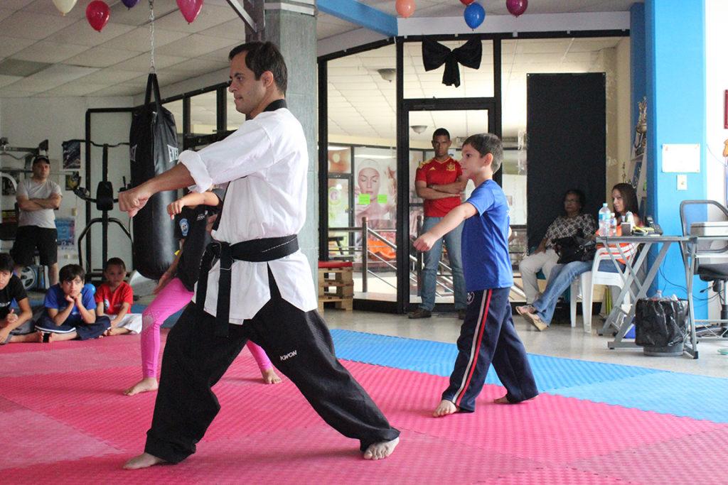 Los chicos siguen su ejemplo para ser mejores atletas. Foto HSI