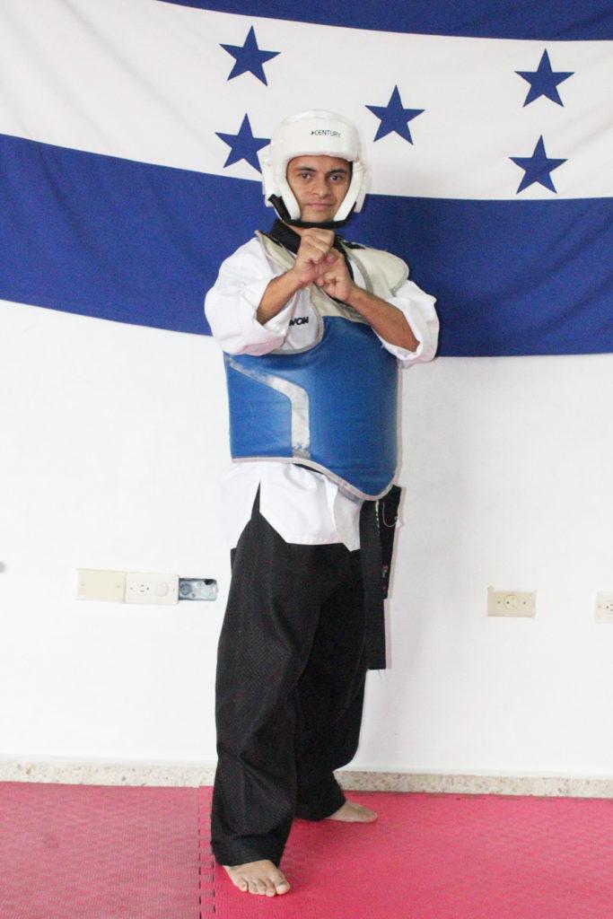 El placer que junior muestra en cada entrenamiento y cada vez que viste su ropa de Taekwondo es expresada en su rostro. Foto HSI