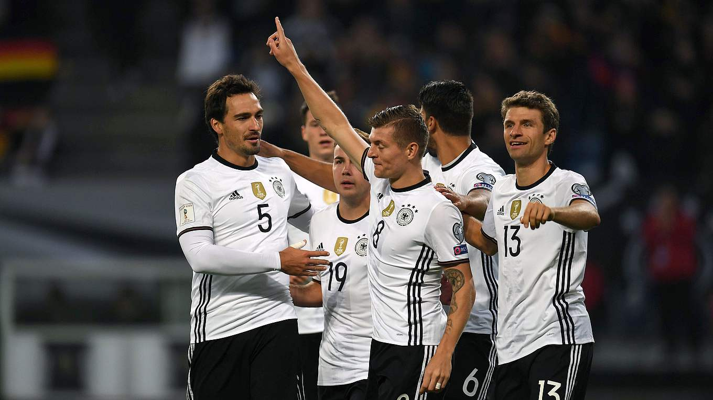 Müller lidera a la demoledora alemana frente a la República Checa
