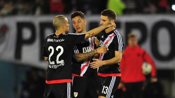 River Plate golea a un mermado Vélez Sarsfield