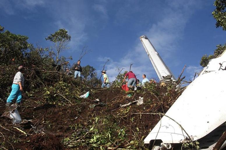 Tragedia aérea del Chapecoense: 75 muertos y seis supervivientes