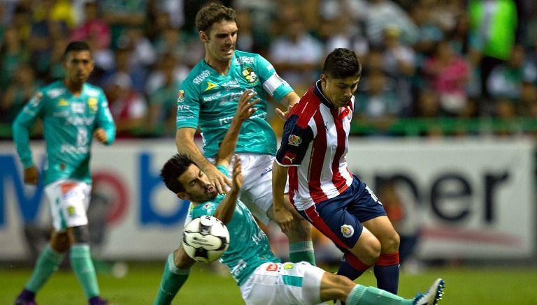 León empata 'in extremis' a Chivas, que se clasifica a la liguilla