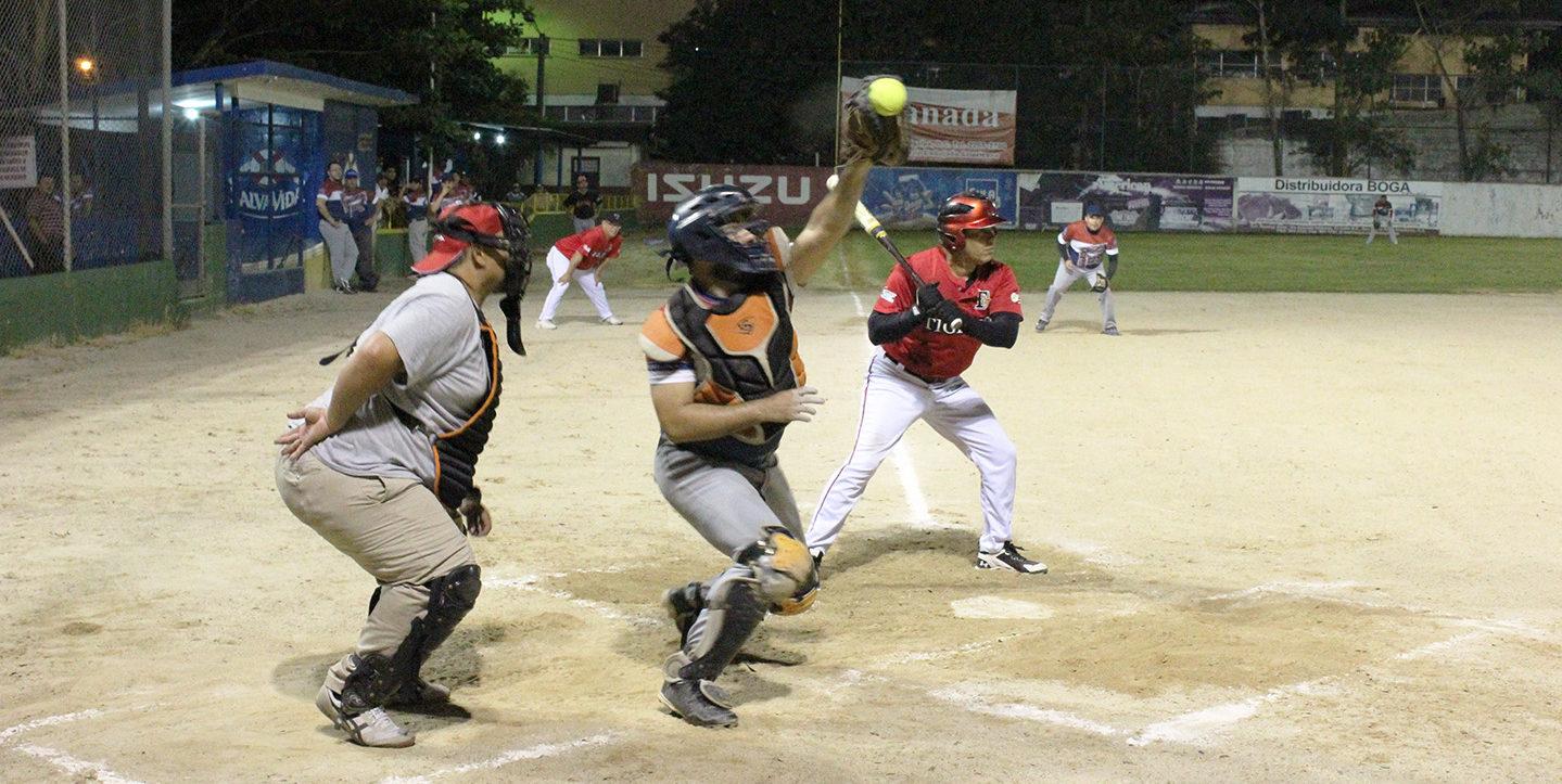 Solo Rebeldes sacó buena ventaja en los juegos de Play Off de la Liga Saybe