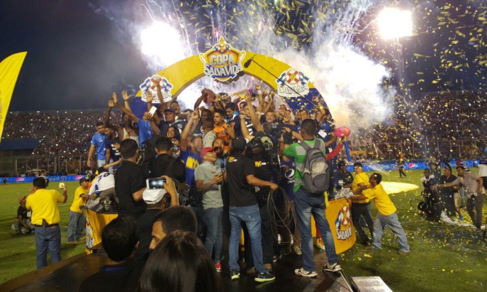 Motagua se proclama Bicampeón de Honduras. Incidentes previos dejan luto en el fútbol catracho
