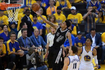 Los Warriors despedazan a los Spurs y doblan la ventaja en la final del Oeste