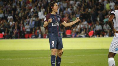 El PSG gana 3-0 al Saint-Etienne con doblete de Cavani