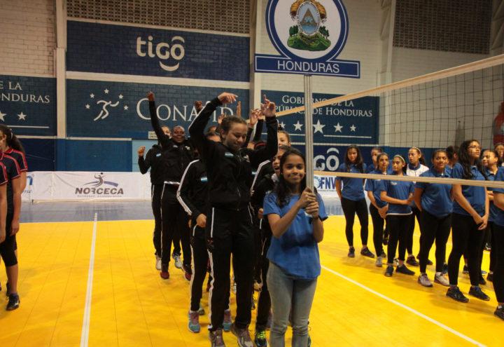Honduras barre a El Salvador e inicia bien el Centroamericano de voleibol U18