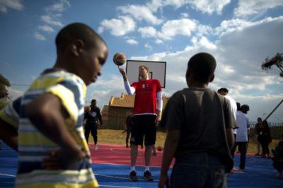 NBA promueve el desarrollo del básquetbol en África