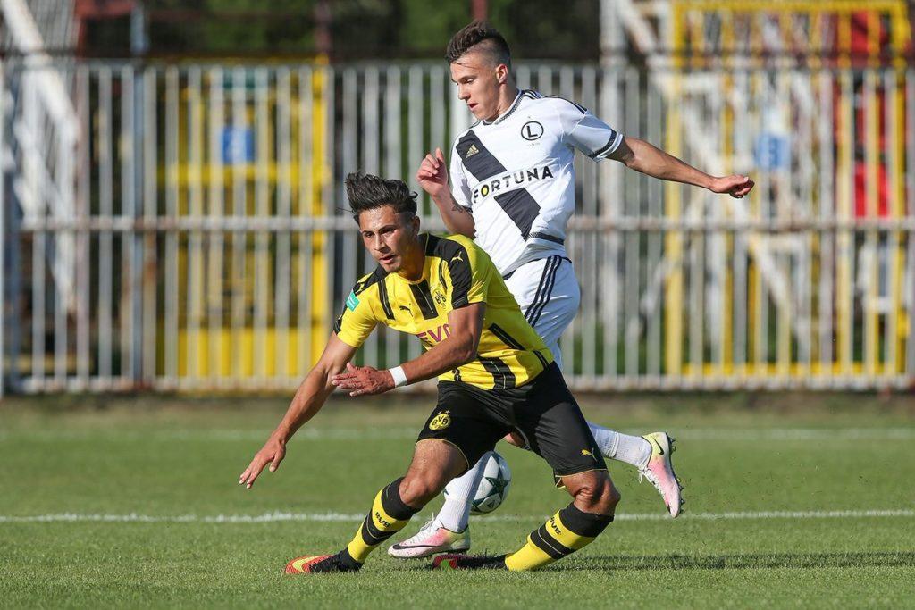 Cuando se es mas que un equipo de fútbol. Borussia Dortmund, un club a imitar