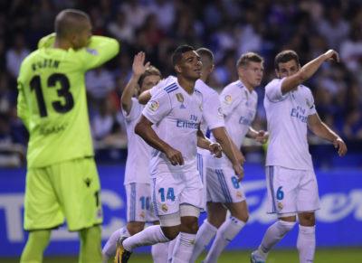 Real Madrid, sin sudar en exceso, vence a un luchador La Coruña