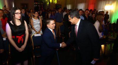 """El paralímpico, Emmanuel Díaz, ganador del premio """"Orgullo Catracho"""" 2017"""