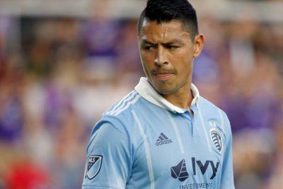 Roger Espinoza: brilla en la MLS pero ausente de la Bicolor catracha