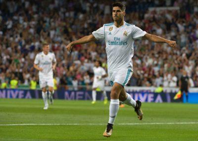 Asencio salva al Real Madrid del abismo frente un Valencia sólido
