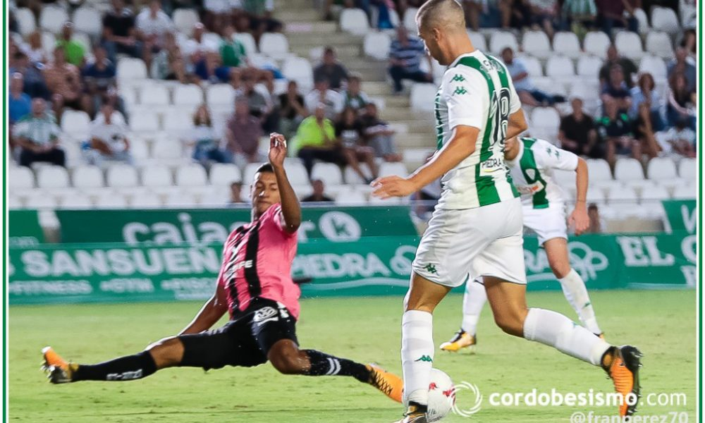 El Tenerife, con Bryan Acosta de titular, asalta Córdoba y sigue vivo en Copa