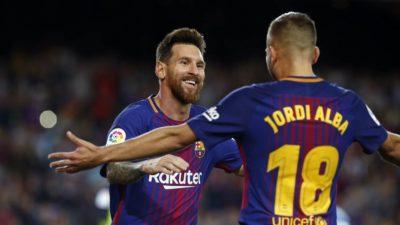 Liderato y goleada dirigida por Messi en el debut de Dembélé