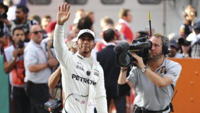 Hamilton gana la pole y Vettel partirá último en GP de Malasia