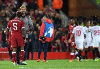 El Liverpool afloja y el Sevilla le roba puntos en Anfield Road