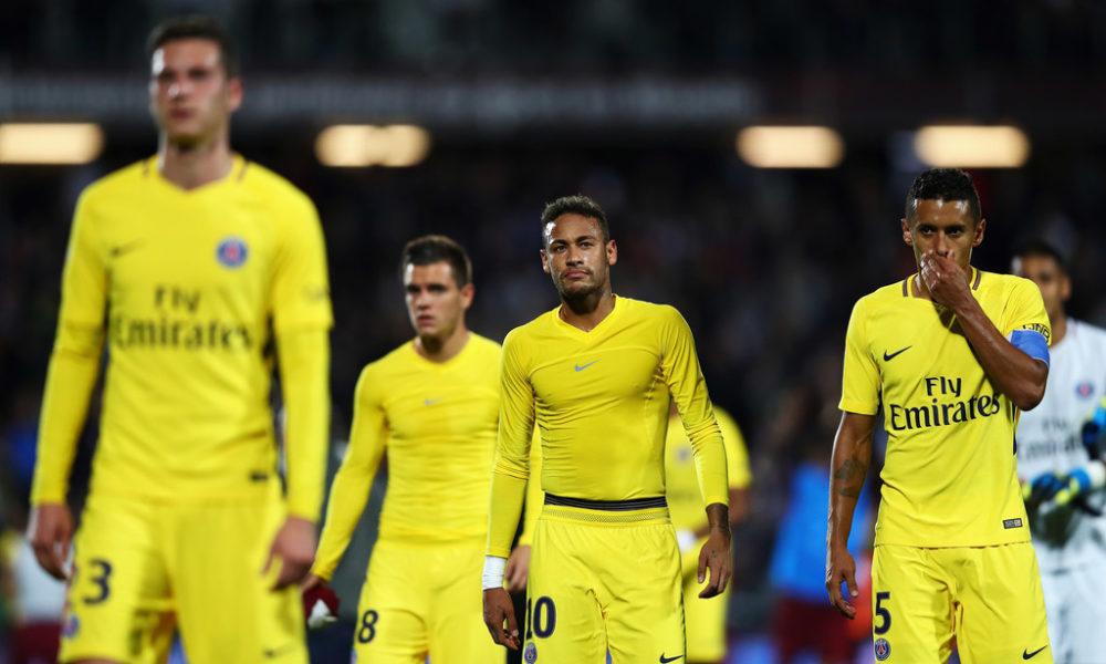 Neymar sin respaldado de la plantilla del PSG en su cabalgata personal
