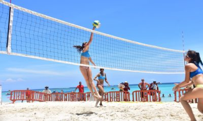 Inicia la parada final del Beach Volleyball Tour 2017 en Roatán