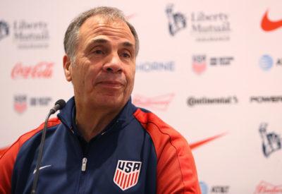 Bruce Arena dice adiós como entrenador de Estados Unidos tras la eliminación
