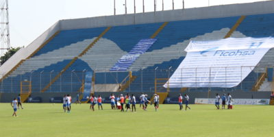 """Honduras alista los detalles para vencer a México y """"colarse"""" a la repesca"""