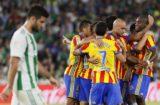 Feria de goles en el triunfo del Valencia al Betis 6-3 en la LigaFeria de goles en el triunfo del Valencia al Betis 6-3 en la Liga