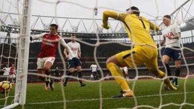 Arsenal bate al Tottenham mientras el City sigue en lo mas alto