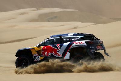 En el último Dakar de Peugeot, Carlos Sainz se corona campeón