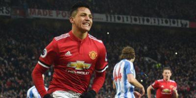 Alexis Sánchez conduce al United a recortar puntos al City