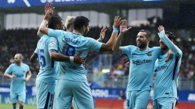 La magia de Messi y la efectividad de Suárez dan triunfo al Barca